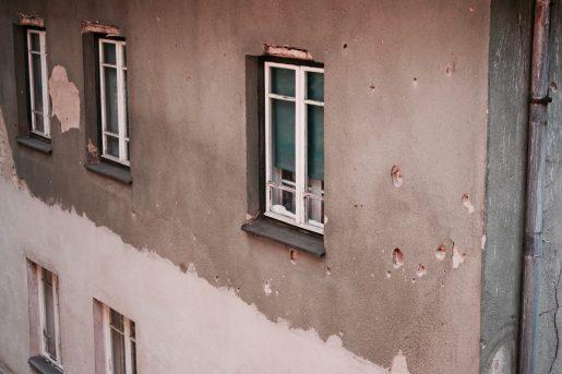 Edificio de Sarajevo con agujeros de bala
