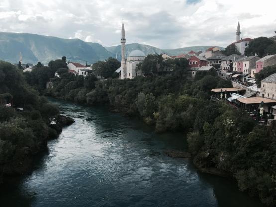Vistas de Mostar desde el puente
